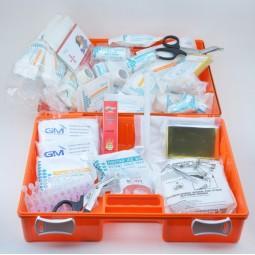 Trousse de secours rouge en plastique à main produits incluschantiers BTP