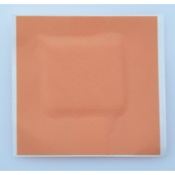 Pansements plastique prédécoupés avec compresse assortis en boîte