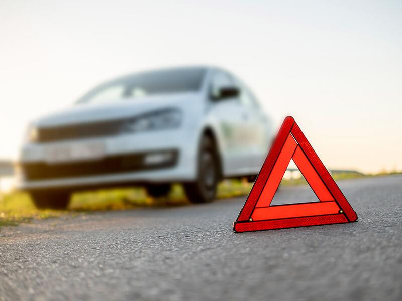 triangle de securite sur la route